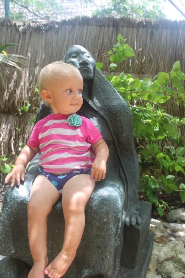 Lu on a Yal Ku statue
