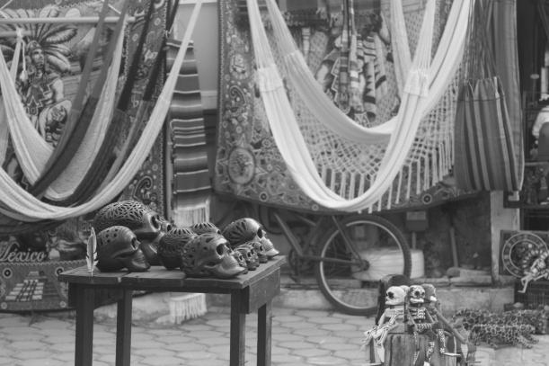 Las Calaveras y hamacas /  Tulum